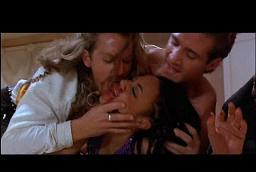три здоровых мужика насилуют девушку в номере отеля.