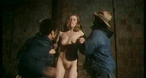 В руки бродяг попадает благородная женщина
