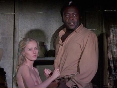 Развратная дочь рабовладельца отдается черным рабам