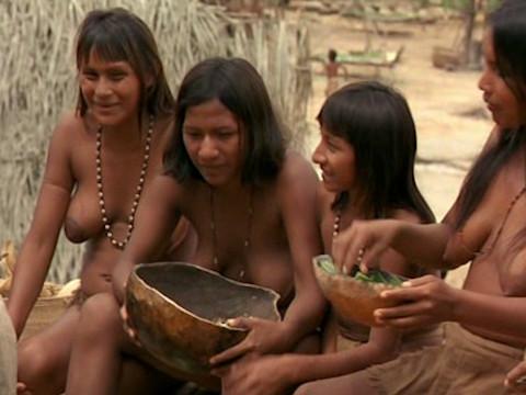 Местное племя спасает французов