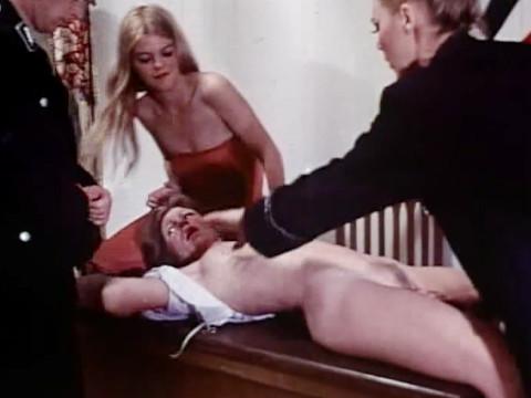 Секс-пытки в подвале гестапо
