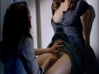 Красивая лесбийская сцена с оргазмом.