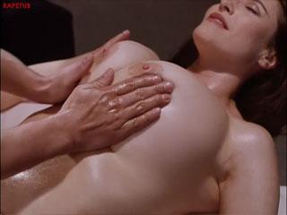 Полный массаж всего тела на голой женщине