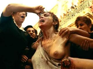Голая униженная и избитая Моника Беллуччи