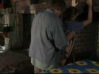 Грязный крестьянин принудил жену к сексу.