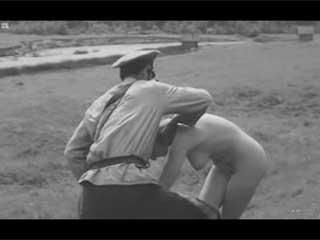 Снимай рубашку девка - сцена из русского фильма