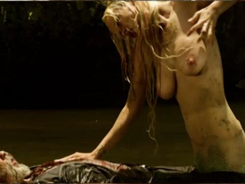 Охота в лесу на голую девушку