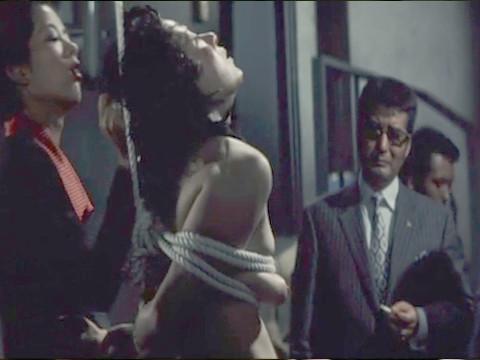 Пытки в подвале банды Якудза