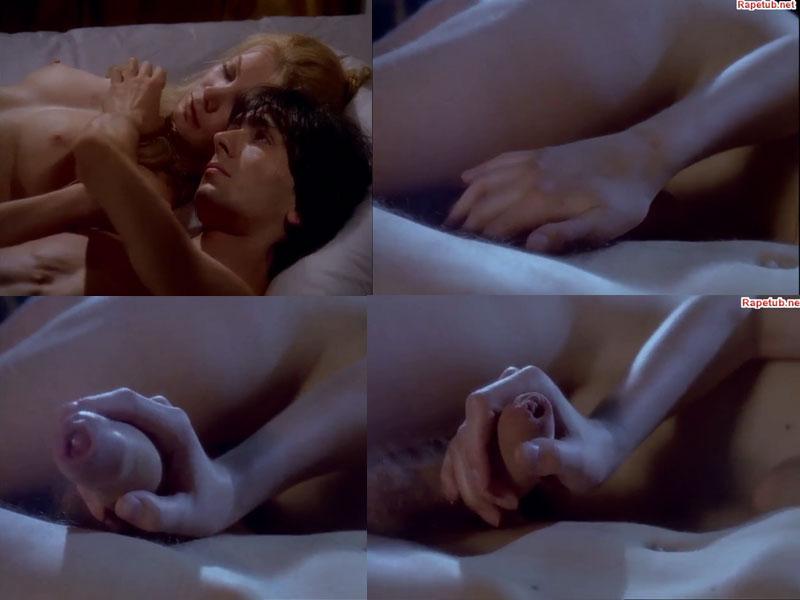 Сексуальные сцены худ